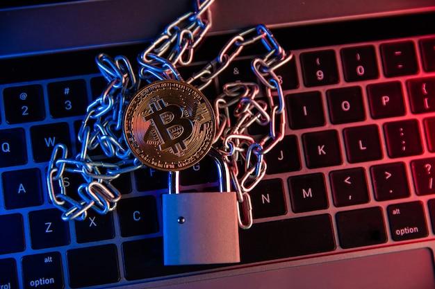 Bitocine d'or, cadenas et chaîne d'argent