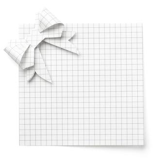 Blanc vide avec un arc en papier isolé sur blanc, avec une ombre douce