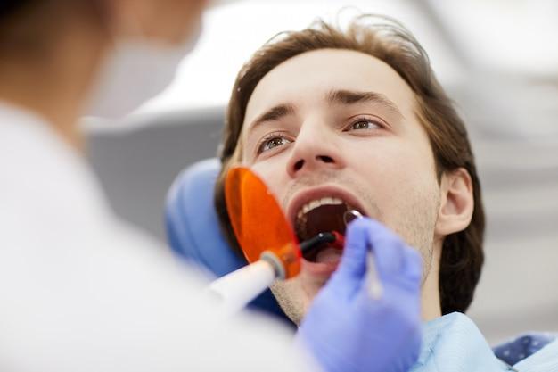 Blanchiment des dents au laser