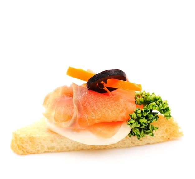 Blinis Au Saumon Fumé Et Crème Sure Photo Premium