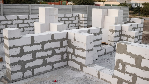 Bloc de béton léger, les briques utilisées dans la construction de la nouvelle série sont populaires.