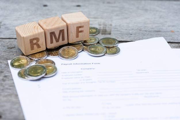 Bloc de mots rmf sur le formulaire d'informations sur la paie