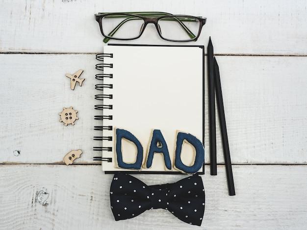 Bloc-notes vide pour les félicitations du père