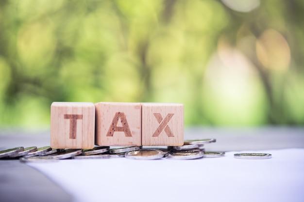 Bloc word impôts sur le formulaire d'informations sur la paie