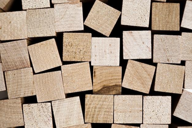 Blocs de bois empilés pour un fond transparent