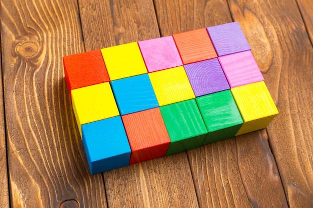 Blocs de bois jouet