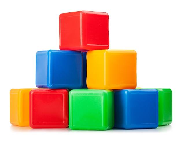 Blocs de jouets en plastique isolés