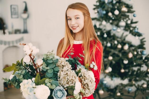 Blonde avec des fleurs