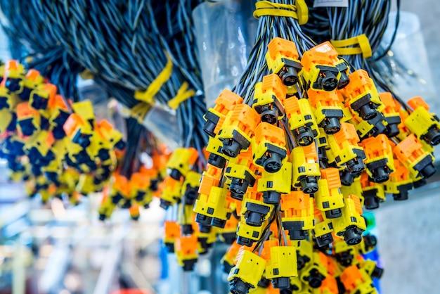 Bobines de fils électriques pour installation dans les voitures