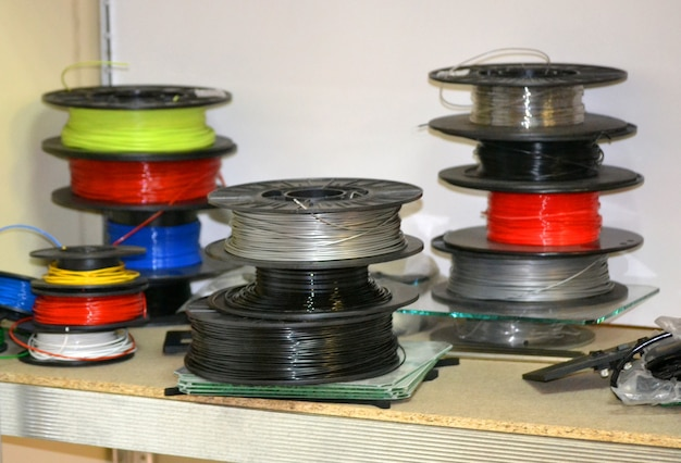 Bobines de plastique pour imprimante 3d. composants pour la technologie additive moderne