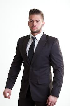 Bodyguard avec un costume