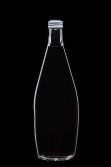 Boire dans une bouteille en verre