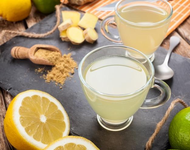 Boire avec du gingembre et du citron.