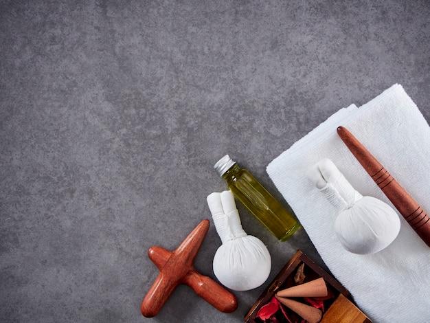 Bois de guasa et huile de massage. spa