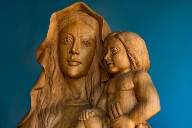 Bois sculpté marie et jésus.