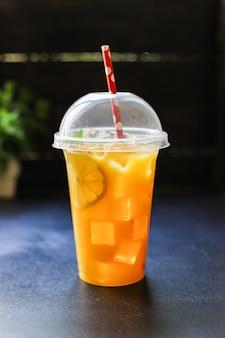 Boisson au jus d'orange ou limonade agrumes mandarine