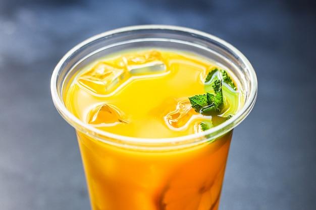 Boisson au jus d'orange ou limonade