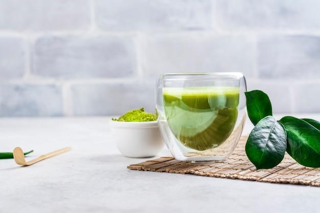 Boisson au thé vert matcha