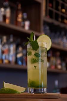 Boisson cubaine au mojito au citron et à la menthe pour bars et restaurants
