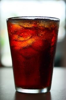 Boisson gazeuse dans un verre à boire