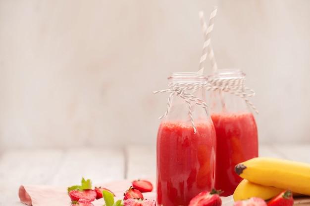 Boisson smoothie aux fraises