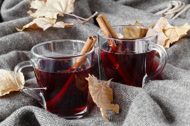 Boissons chaudes d'automne confortables