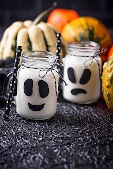 Boissons fantômes d'halloween pour la fête