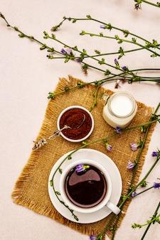 Boissons et fleurs de chicorée utiles