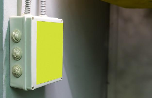 Boîte d'avertissement d'électricité