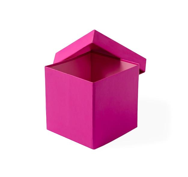 Boîte cadeau rose isolé sur fond blanc