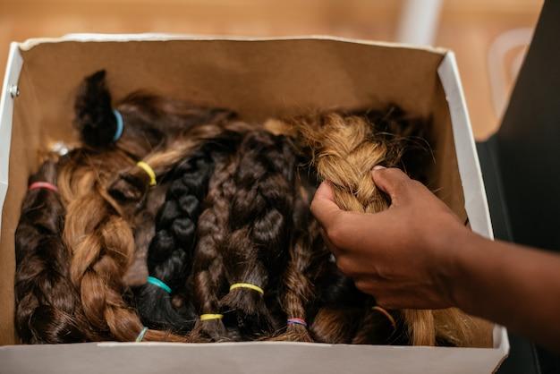 Boîte de cheveux tressés pour don de cancer