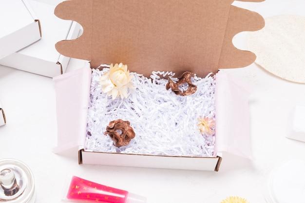 Boîte d'emballage en carton pour brillant à lèvres pour petites entreprises