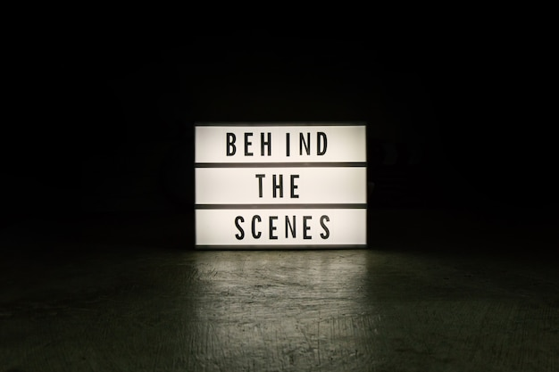 La boîte à lumière de cinéma dans le contenu du film ton sombre.