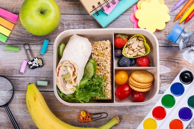 Boîte à lunch d'école saine