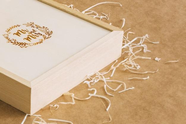 Boîte sur papier craft