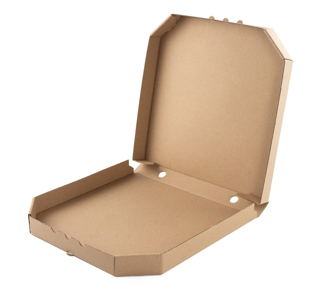 Boîte de papier à pizza en carton ouvert marron vierge sur fond blanc. modèle d'emballage