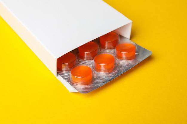Boîte à pilules vide, gros plan