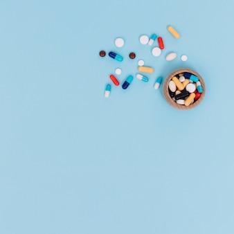 Boîte avec des pilules