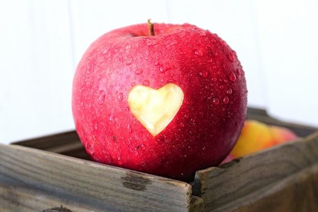 Boite de pomme coeur amour saint valentin