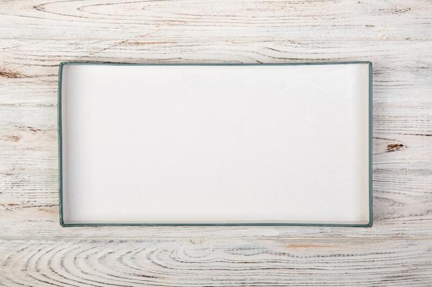 Boîte rectangulaire vide blanche, vue de dessus