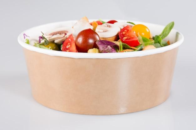 Boîte à salade à emporter prête pour les végétariens