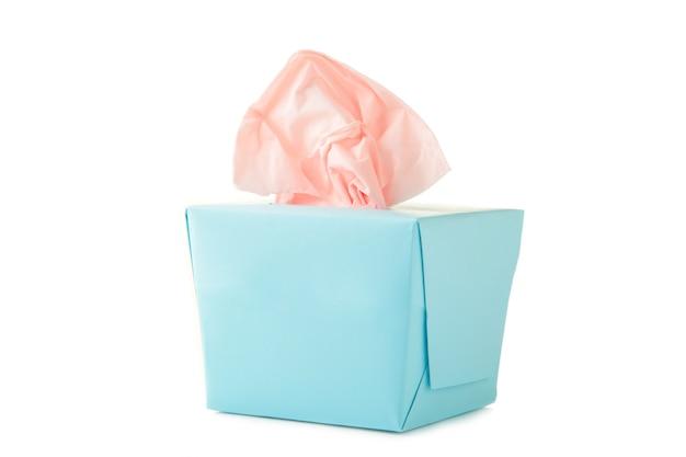 Boîte de tissu bleu isolé sur un blanc