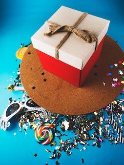 Boîtes à cadeaux et articles de fête