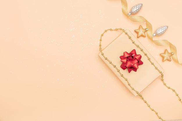 Boîtes à cadeaux, étoile et boule pour anniversaire, noël ou cérémonie de mariage