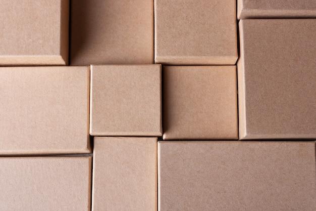 Boîtes en carton à plat le lendemain de noël