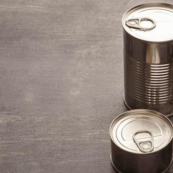 Boîtes de conserve à angle élevé avec espace de copie