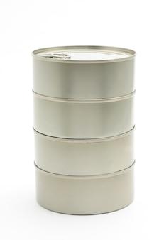 Boîtes métalliques d'aliments prêts à l'emploi sous forme de conserves isolés