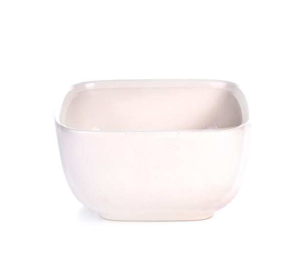 Bol en céramique rectangulaire vide isolated on white
