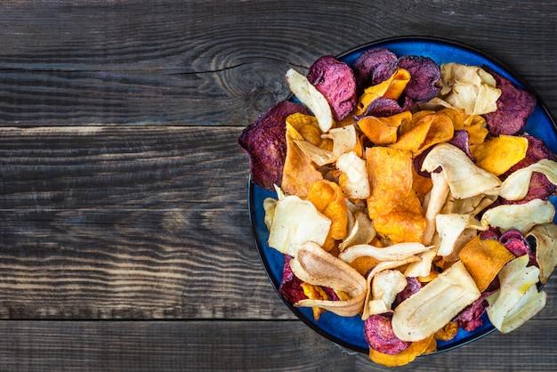 Bol de collations santé à base de chips de légumes, chips