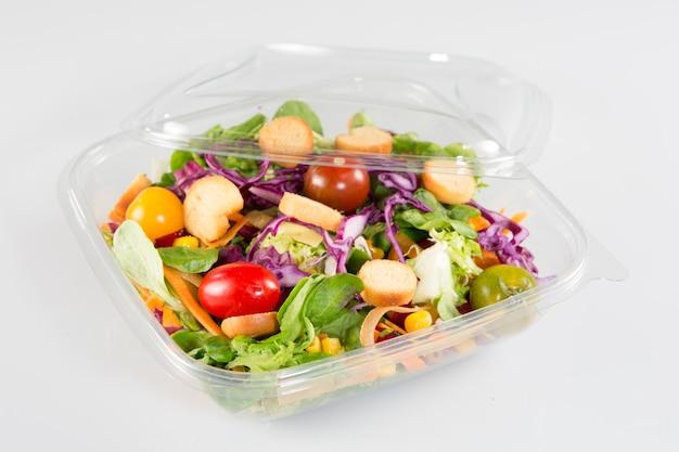 Bol à emporter avec salade de restauration rapide